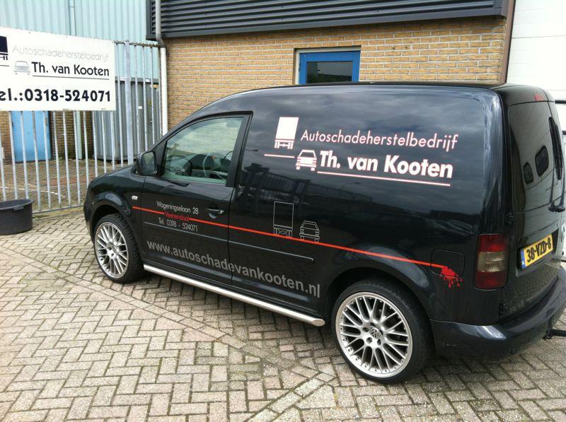 autoschadeherstelbedrijf in Veenendaal TH van Kooten